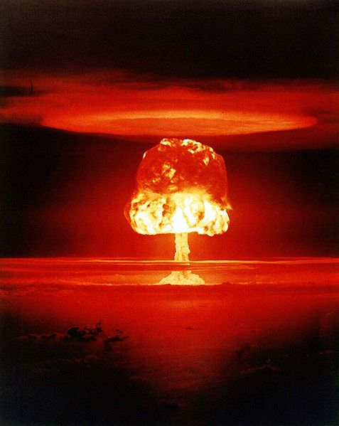 "Atombombentest ""Romeo"" am 27. März 1954 auf dem Bikini-Atoll (Beschreibung: Wikipedia, Foto: United States Department of Energy / National Nuclear Security Administration)"