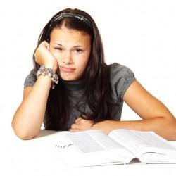 Frustrierte Studentin (Foto: Pixabay Public Domain Pictures)