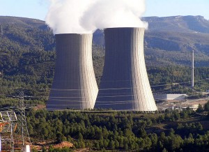 Kühltürme des Kernkraftwerks Cofrentes (Foto: Roberto Uderio, Wikipedia)
