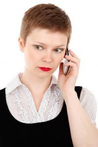 Frau mit Smartphone (Bild: Pixabay)