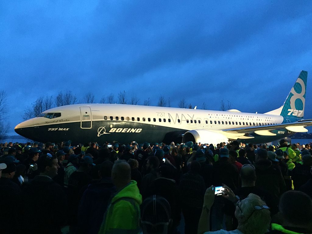 Roll-out der ersten Boeing 737 MAX im Dezember 2015 (Bild: Aka The Beav from Seattle, Washington [CC BY 2.0 (https://creativecommons.org/licenses/by/2.0)])